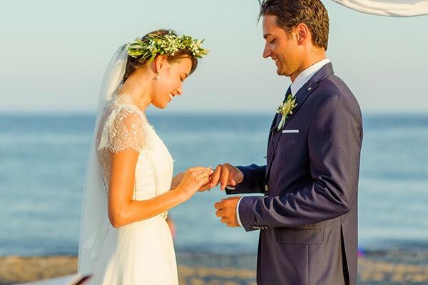 beautiful-beach-wedding-santorini_13