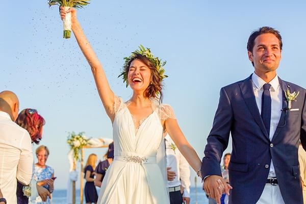 beautiful-beach-wedding-santorini_15
