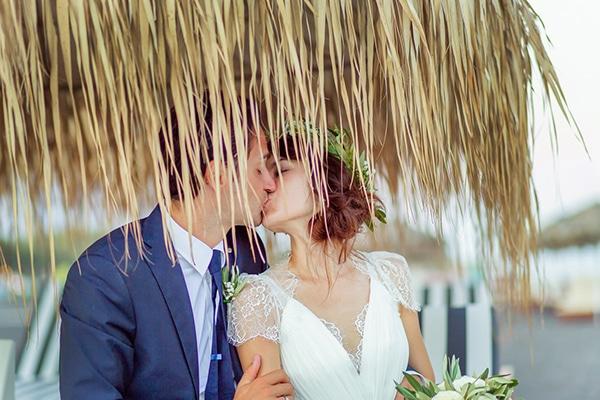 beautiful-beach-wedding-santorini_16
