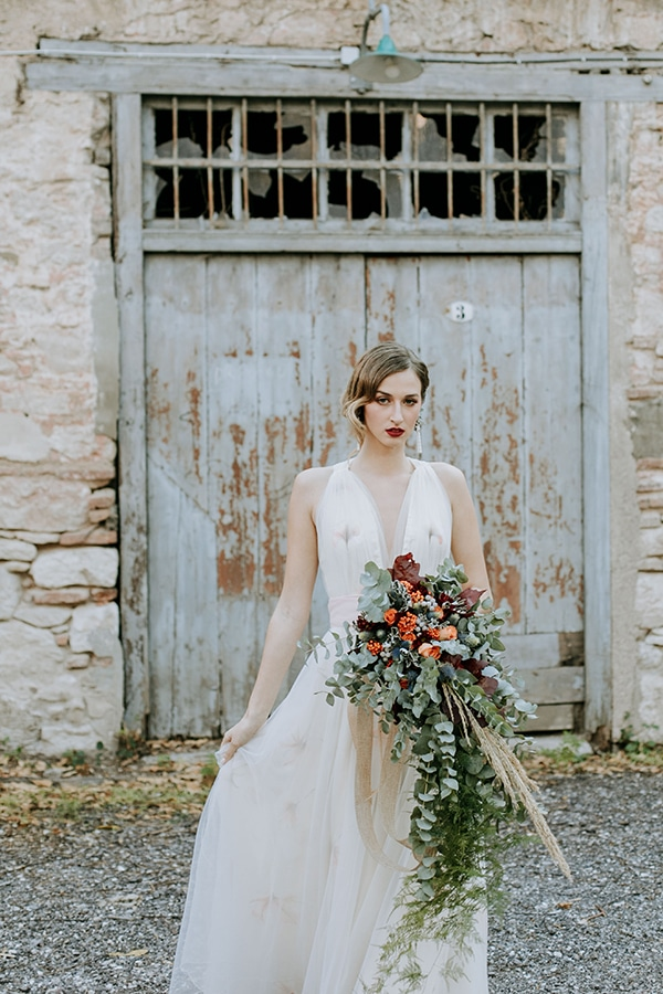 breathtaking-fairytale-styled-shoot-greece_19