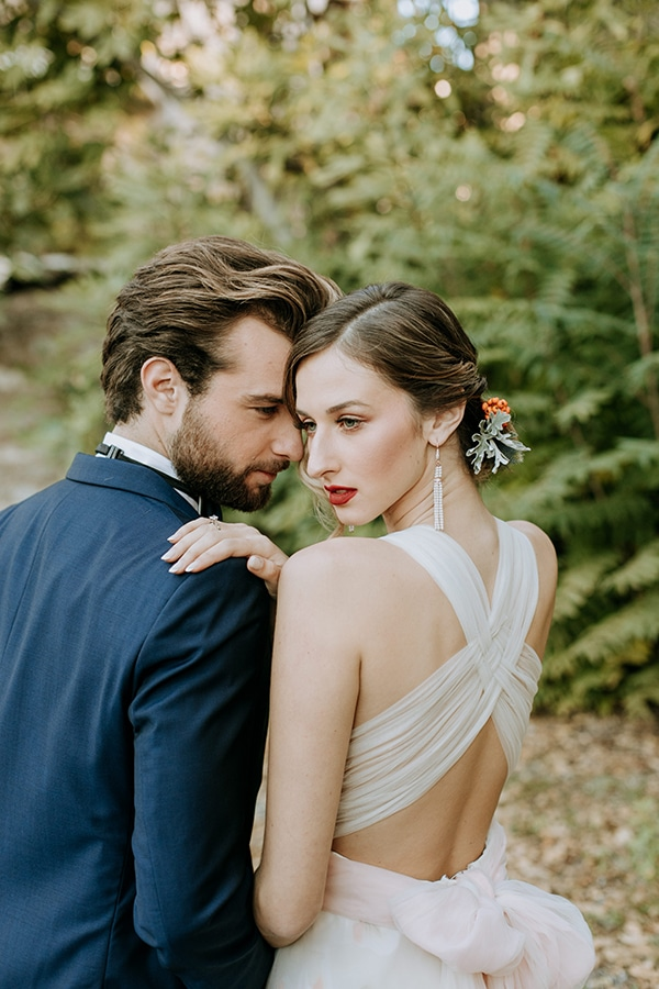 breathtaking-fairytale-styled-shoot-greece_21