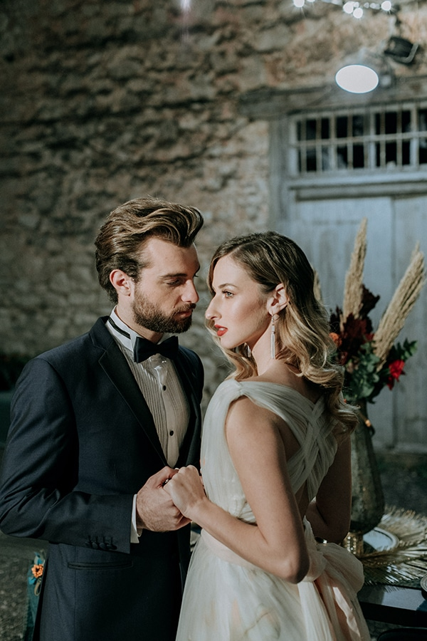 breathtaking-fairytale-styled-shoot-greece_39x