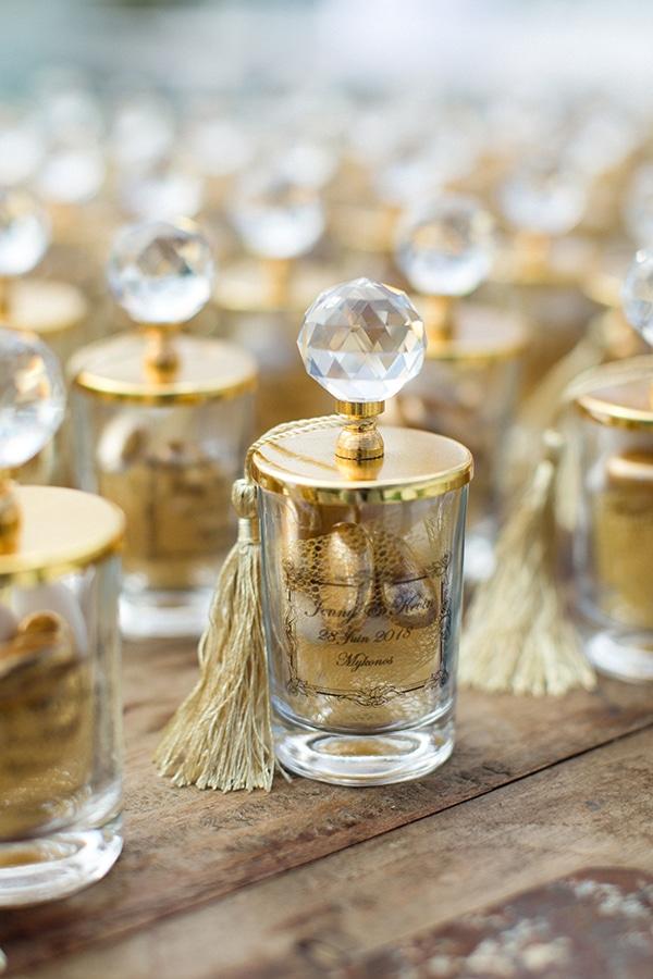 luxurious-wedding-white-gold-details-mykonos_04x