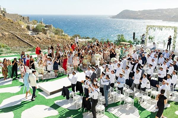 luxurious-wedding-white-gold-details-mykonos_05