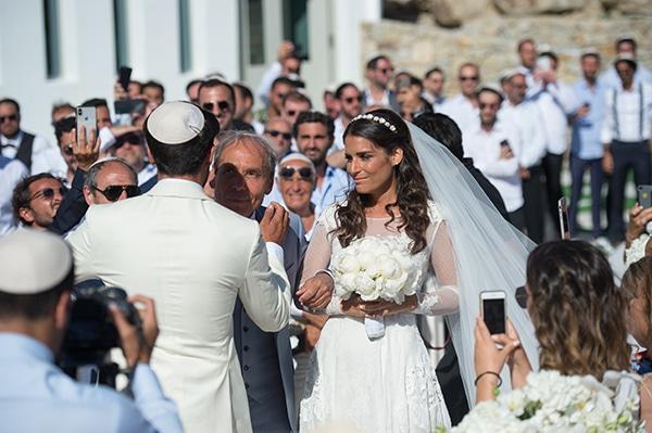 luxurious-wedding-white-gold-details-mykonos_07