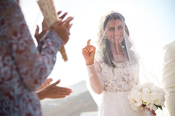 luxurious-wedding-white-gold-details-mykonos_10
