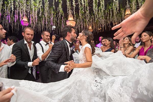 luxurious-wedding-white-gold-details-mykonos_13