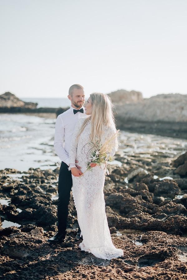 romantic-prewedding-beach-shoot_04x
