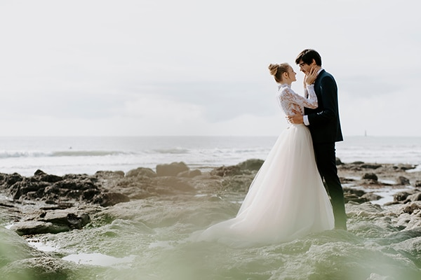 romantic-winter-elopement-ocean_01x