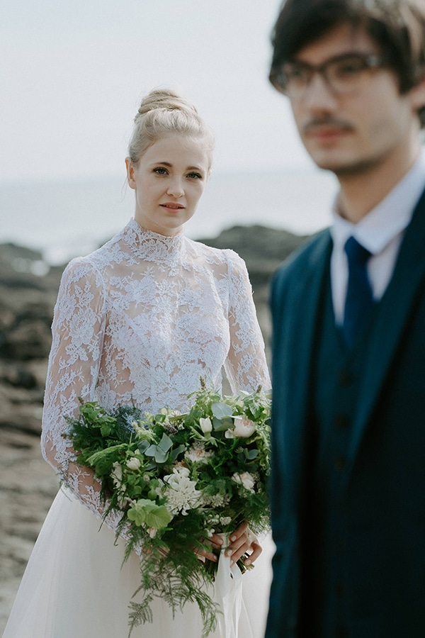 romantic-winter-elopement-ocean_04