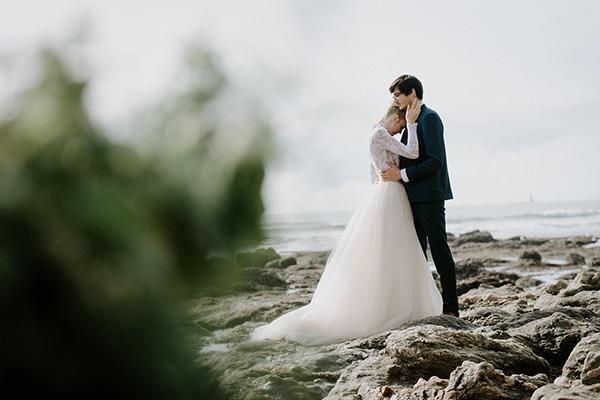 romantic-winter-elopement-ocean_17