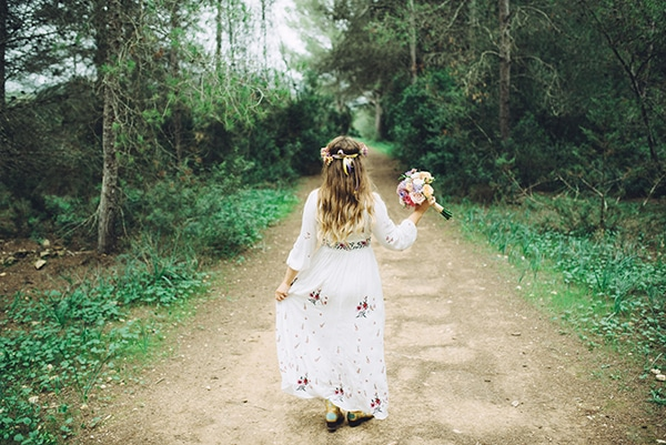 beautiful-colorful-bohemian-styled-shoot_13