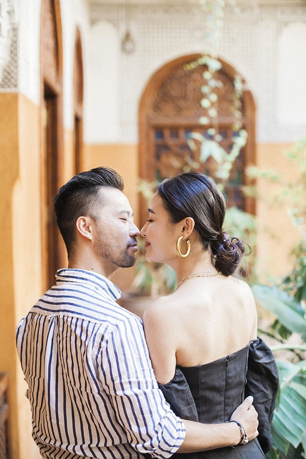charming-engagement-session-morocco_02