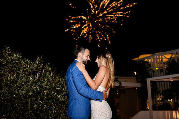 romantic-summer-wedding-santorini_26