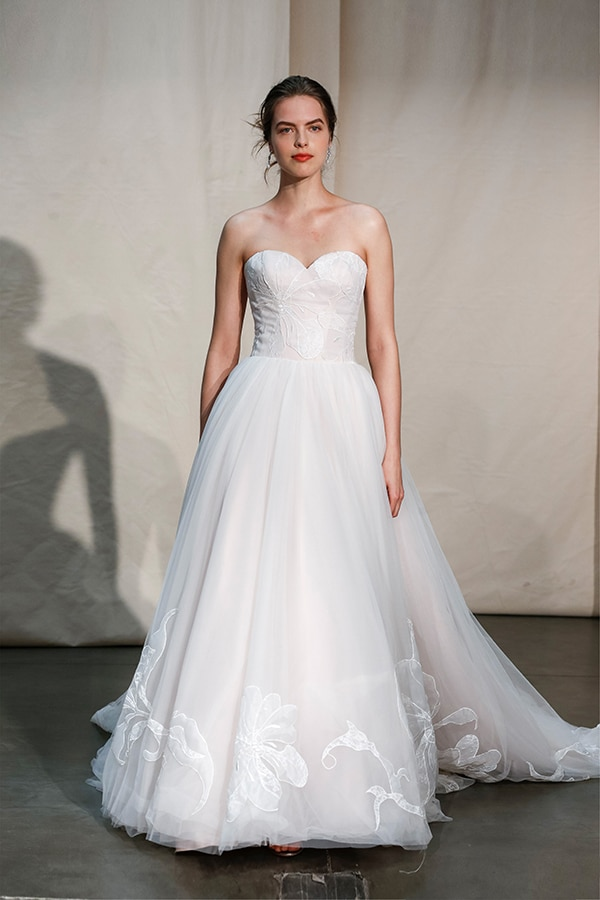 stunning-justin-alexander-signature-collection-spring-summer-2020_00