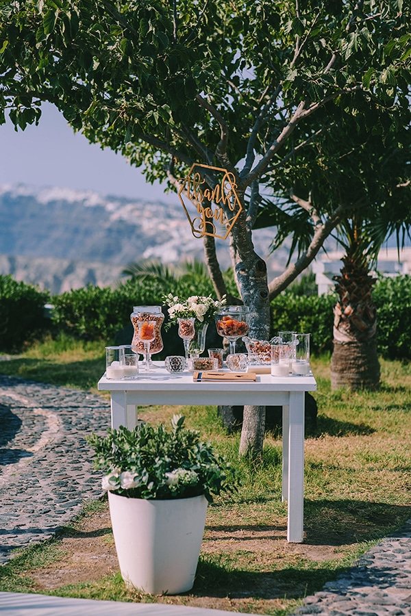 chic-intimate-wedding-santorini_30