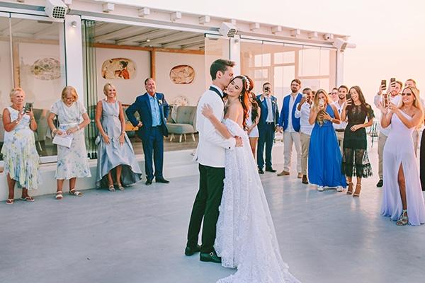 chic-intimate-wedding-santorini_32