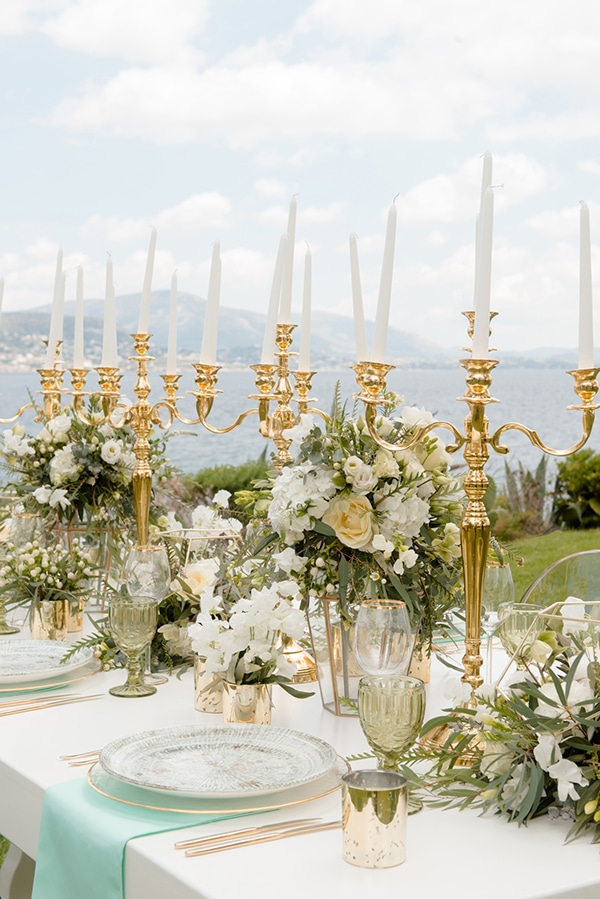 elegant-luxury-styled-shoot-gold-white-hues_05x