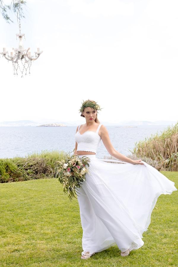 elegant-luxury-styled-shoot-gold-white-hues_15x