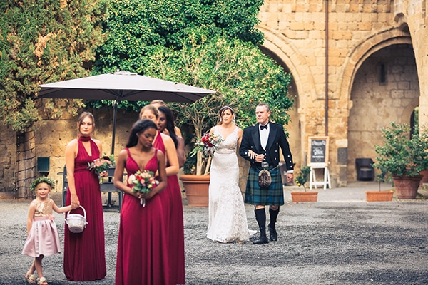 gorgeous-wedding-burgundy-hues-italy_10