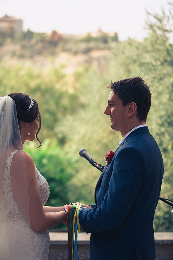 gorgeous-wedding-burgundy-hues-italy_12