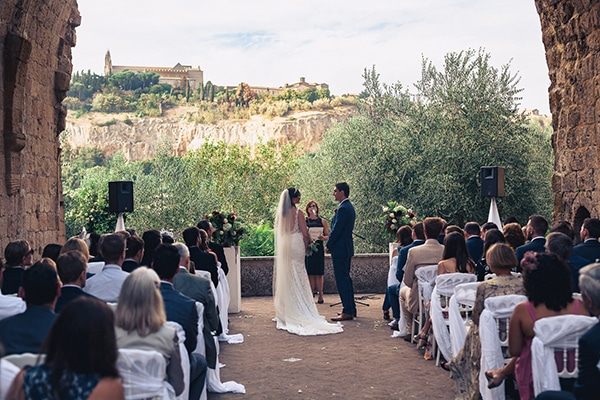gorgeous-wedding-burgundy-hues-italy_13