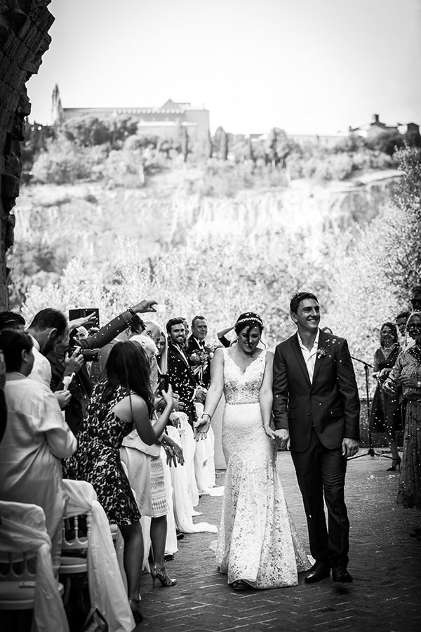 gorgeous-wedding-burgundy-hues-italy_15