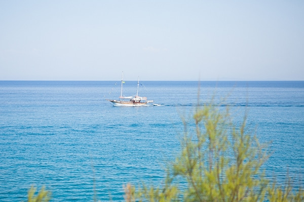 romantic-summer-wedding-kefalonia_05x