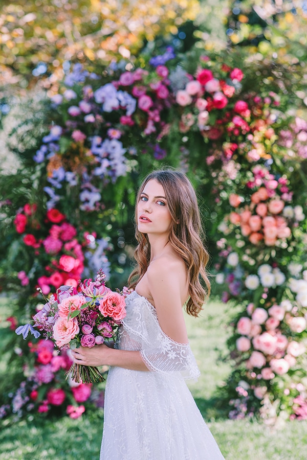 lavish-bridal-shoot-prettiest-flowers_03