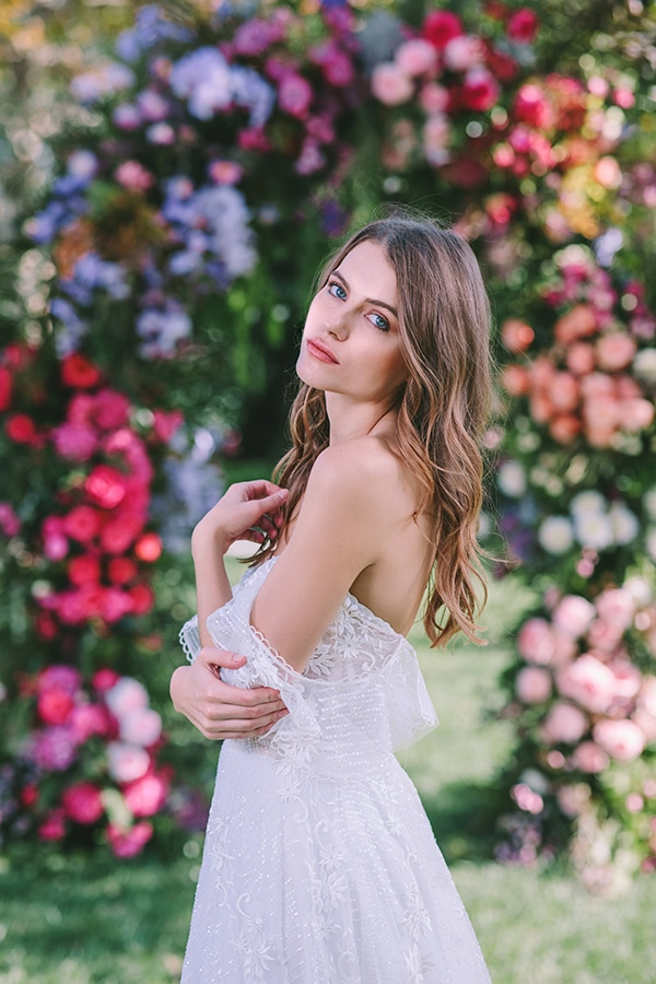 lavish-bridal-shoot-prettiest-flowers_11