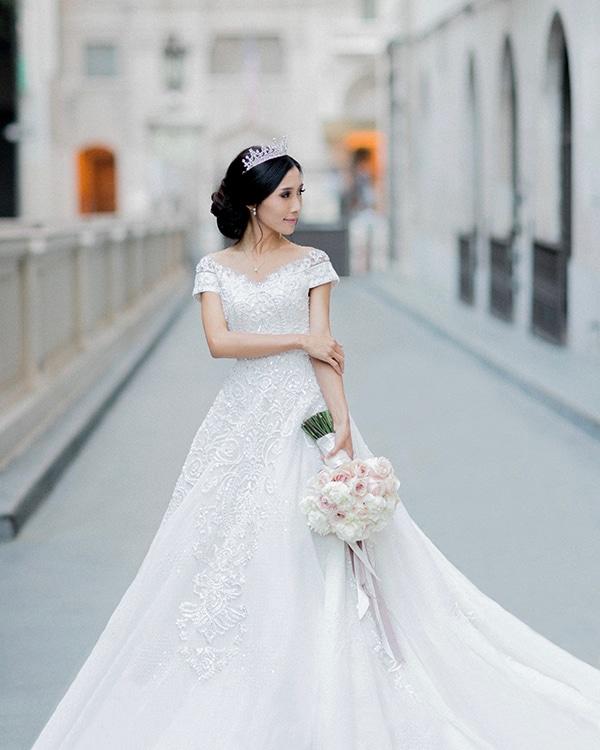 classy-romantic-wedding-soft-hues_03