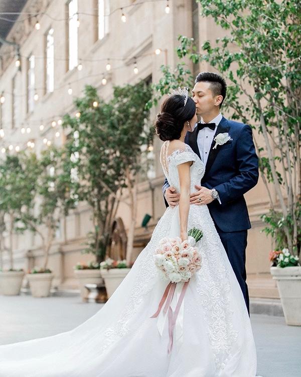 classy-romantic-wedding-soft-hues_18
