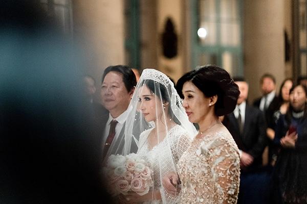 classy-romantic-wedding-soft-hues_23
