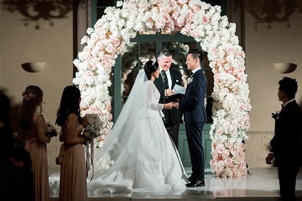 classy-romantic-wedding-soft-hues_25