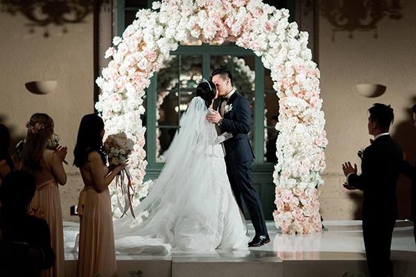 classy-romantic-wedding-soft-hues_26
