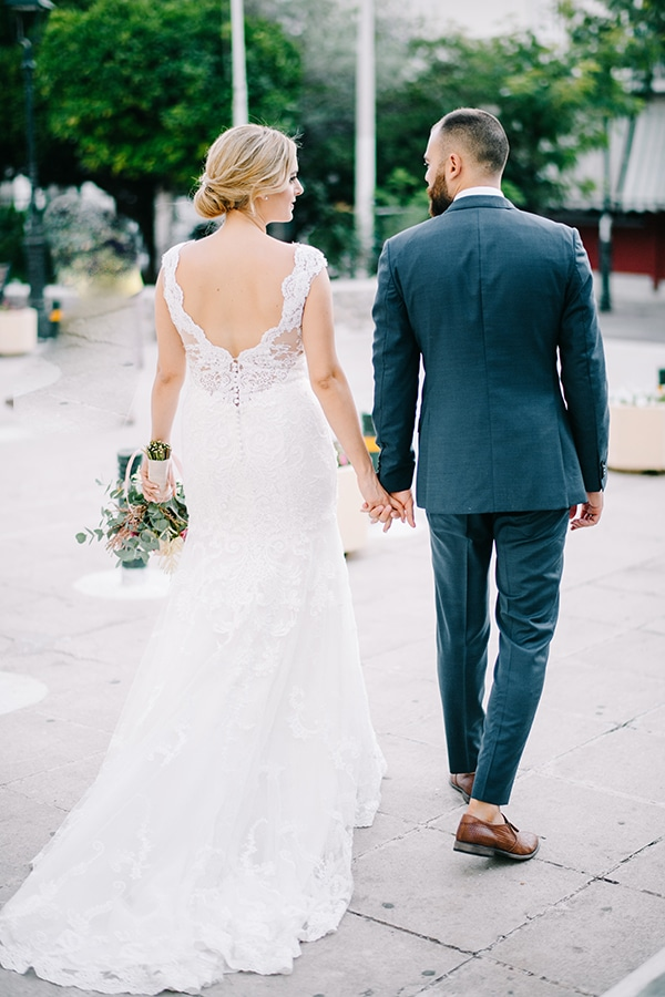 elegant-autumn-wedding-geometric-decoration-items_56