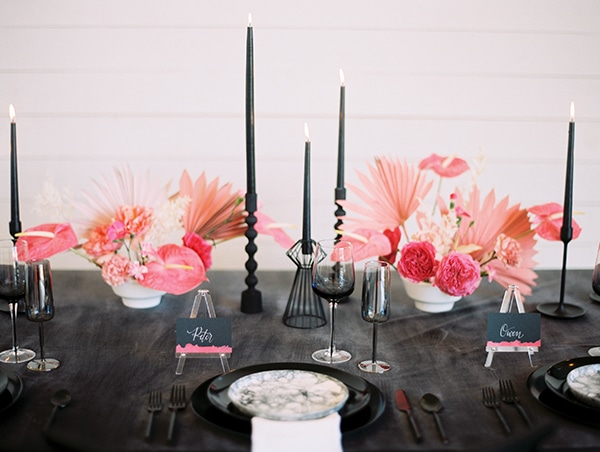 modern-styled-shoot-coral-black-tones_18