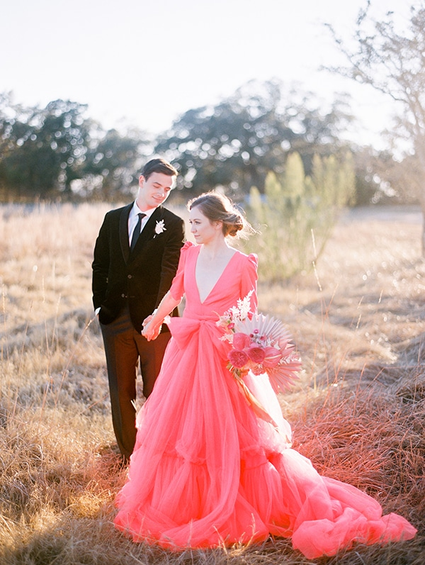 modern-styled-shoot-coral-black-tones_23