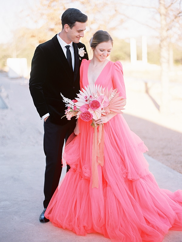 modern-styled-shoot-coral-black-tones_24