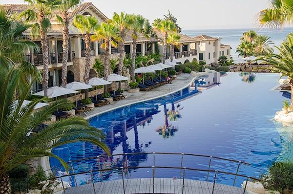 unforgettable-honeymoon-luxurious-resort_01