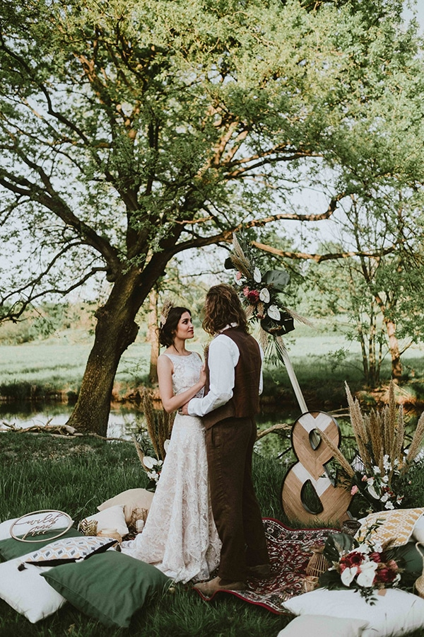 bohemian-chic-styled-shoot-rustic-wild-elements_03
