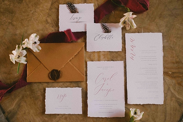 bohemian-chic-styled-shoot-rustic-wild-elements_03x