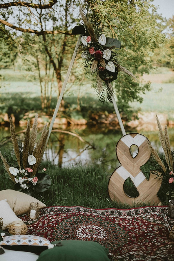 bohemian-chic-styled-shoot-rustic-wild-elements_04