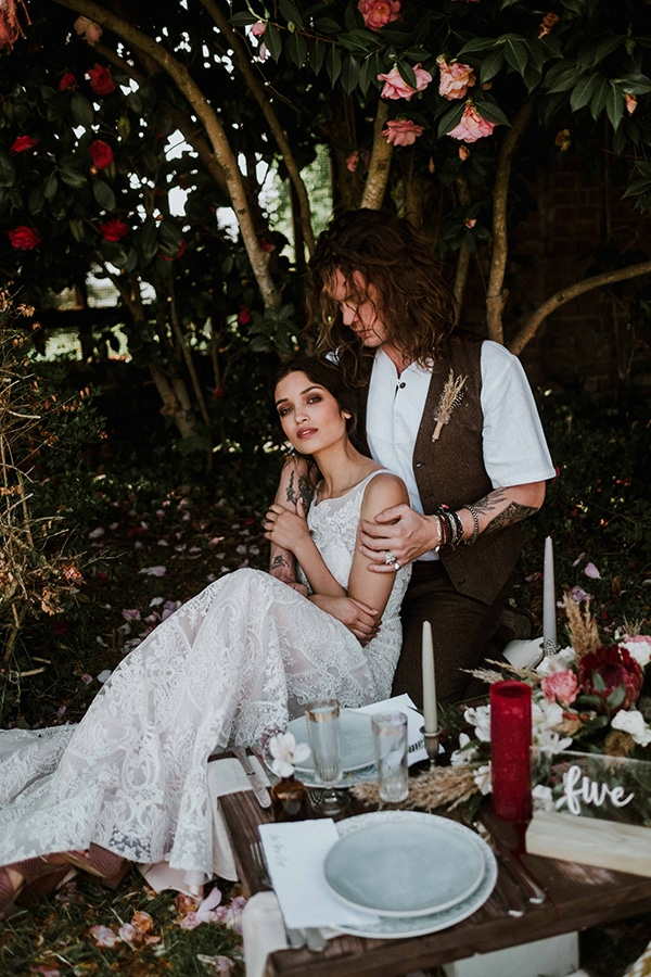 bohemian-chic-styled-shoot-rustic-wild-elements_17