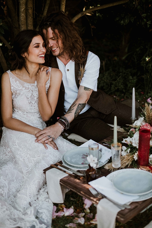 bohemian-chic-styled-shoot-rustic-wild-elements_19