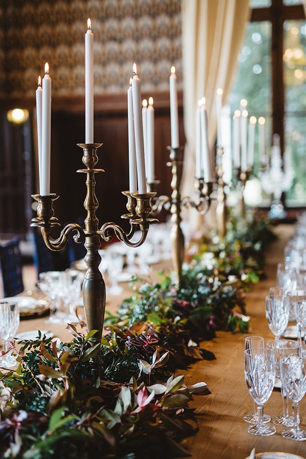 gorgeous-styled-shoot-navy-hues-gold-luxury-details_18