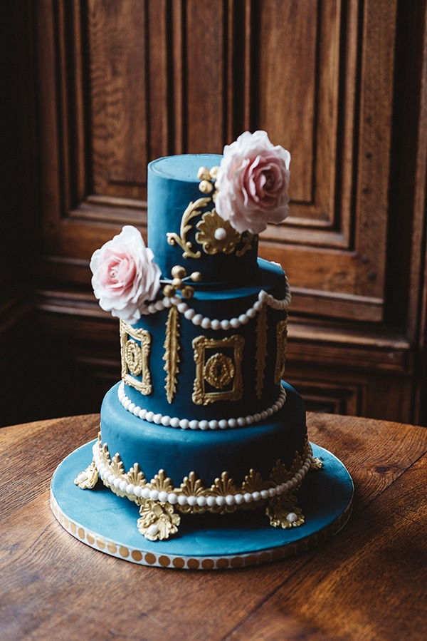 gorgeous-styled-shoot-navy-hues-gold-luxury-details_23