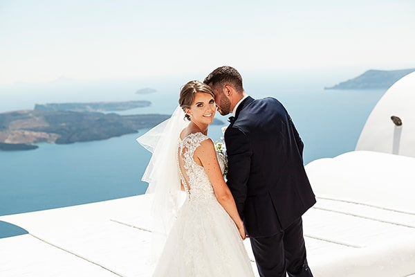 romantic-intimate-blue-white-wedding-santorini_01