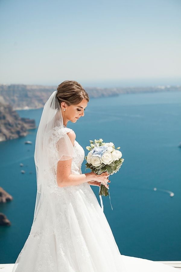 romantic-intimate-blue-white-wedding-santorini_04