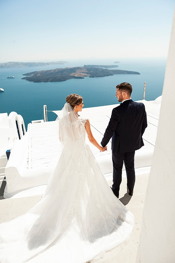 romantic-intimate-blue-white-wedding-santorini_06